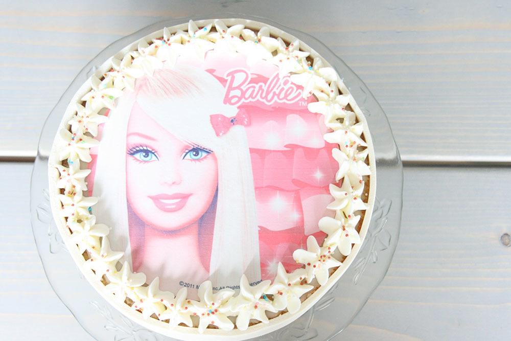 Barbie fødselsdags lagkage med hindbær og hvid chokolademousse - opskrift