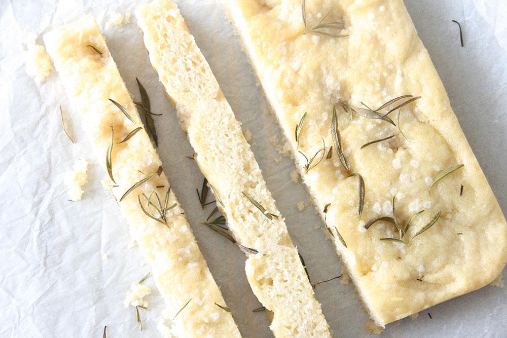 opskrift på blødt og luftigt foccacia brød