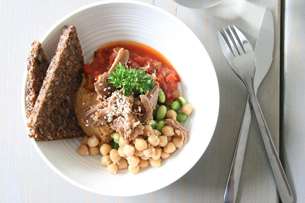 Lunch - Frokost. Houmous - humus - hummus