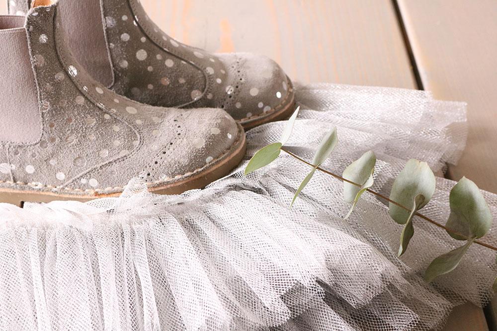 Tyl skørt og smukke støvler