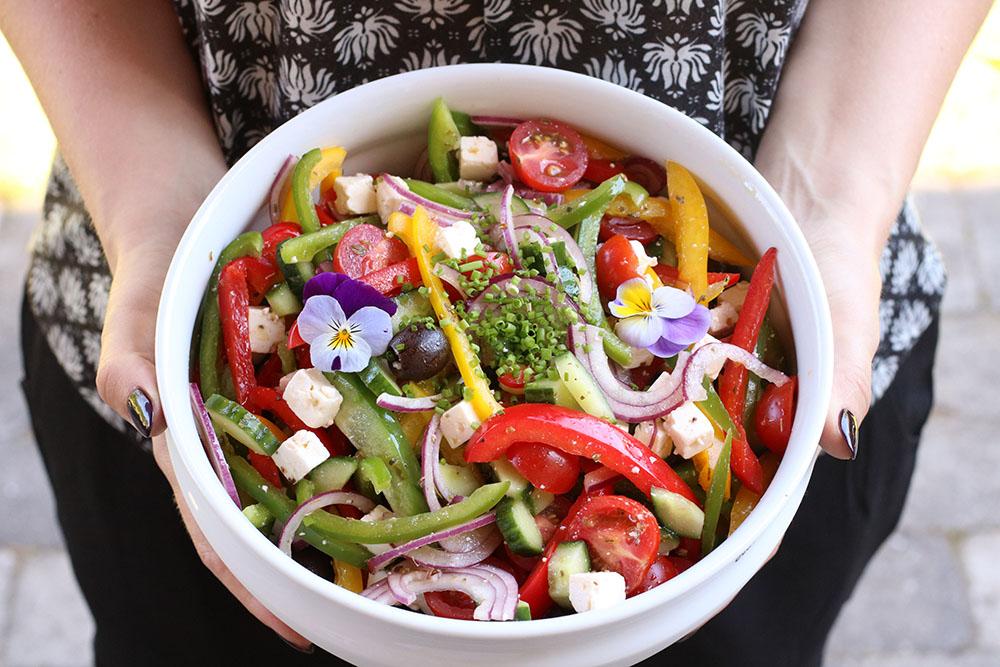 Lækker opskrift på græsksalat ala Camilla