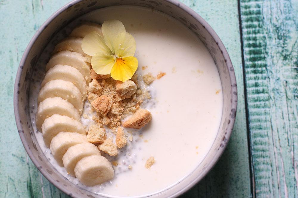 Sommerlækker morgenmad - overnight koldskåls chiagrød