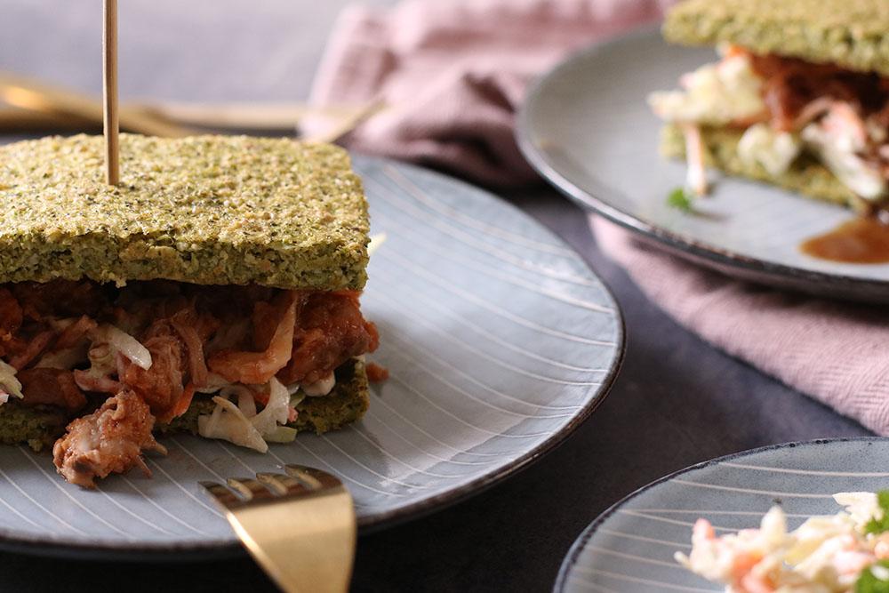 Pulled pork burger af broccoli fladbrød