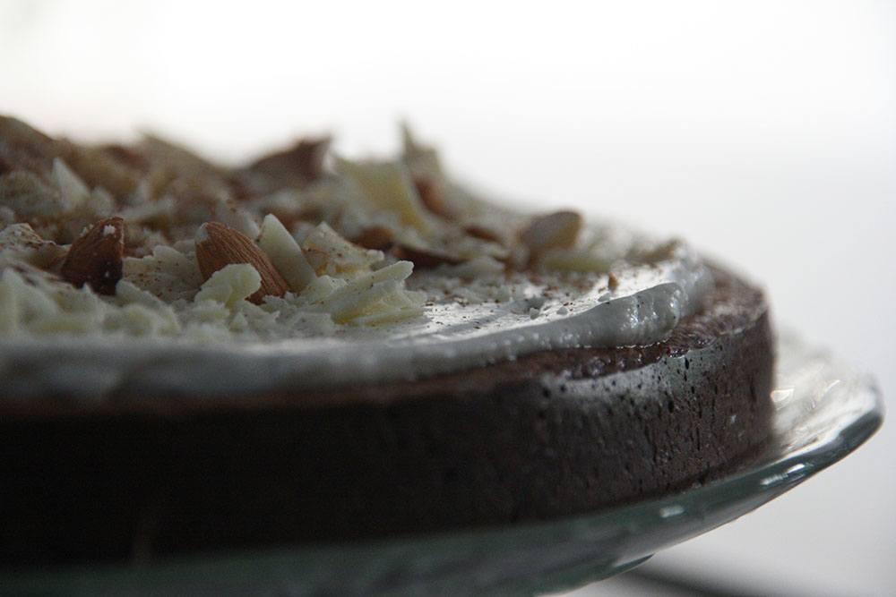 Opskrift på sund, sukker og glutenfri gulerodskage med cream cheese frosting