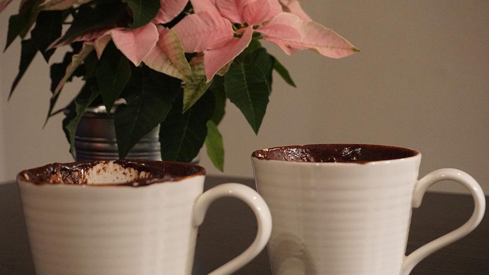 Skøn opskrift på chokolade lava mug cake