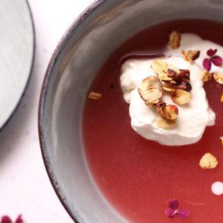 Farvefin og sund rabarbergrød