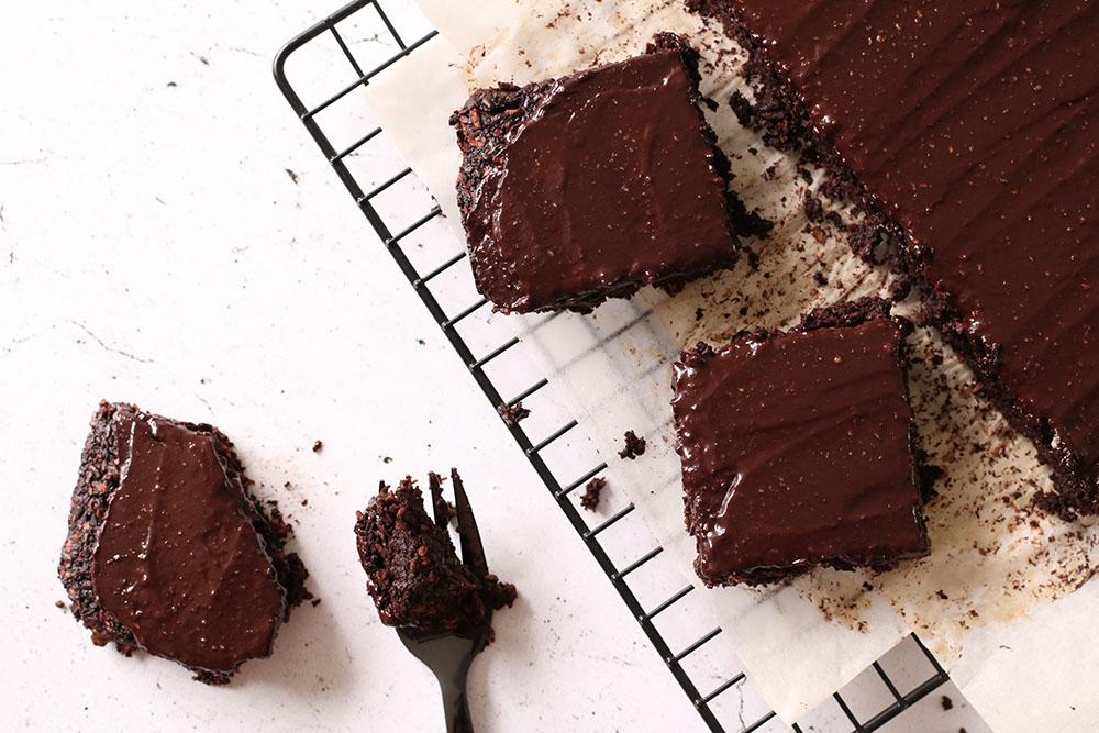 Opskrift på vegansk og glutenfri fudgy brownie