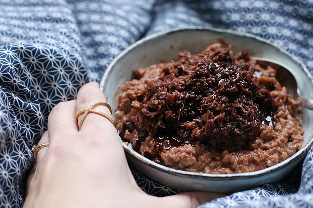 kakaogrød med kokostopping